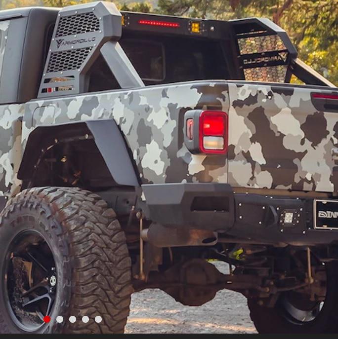 Armordillo CR2 Chase Rack on Jeep Gladiator