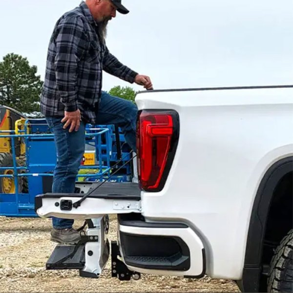 BandW Tow and Stow GM Multi-Pro Tailgate Adjustable Ball Mount Hitch In Use