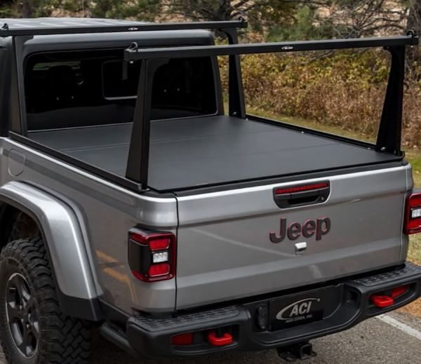 Hard Fold Tonneau & Black Rack on Jeep Gladiator