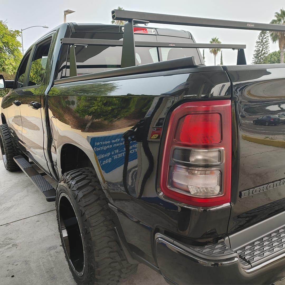 M-Series Cross Bar Rack on Big Horn