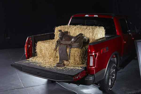 Pace Edwards Switchblade Tonneau Cover Loaded Up