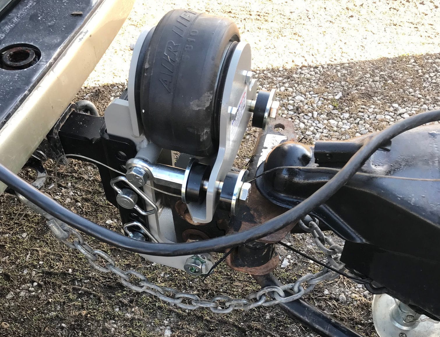Shocker Air Equalizer Hitch in Action